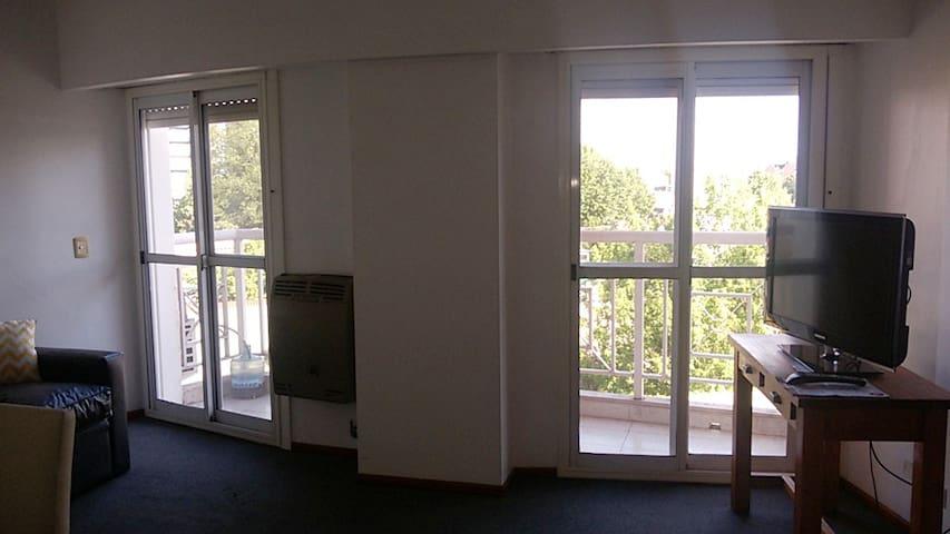 Departamento con balcón