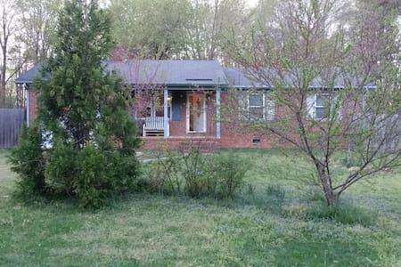Get2TheFarm 3br 2ba, Summerfield NC - Summerfield - Huis