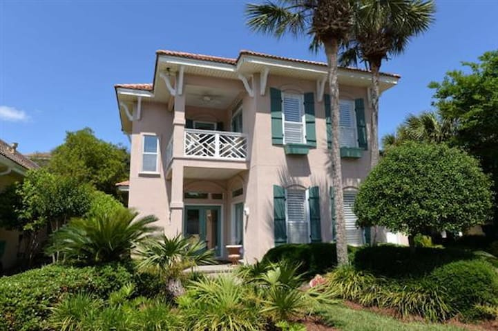 Destin's most adored home! - Destin - House