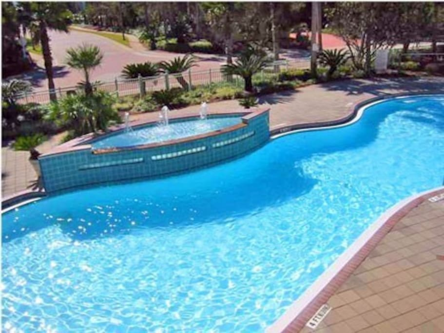 Gated community with gorgeous pool, hot tub, work out club, tennis courts!
