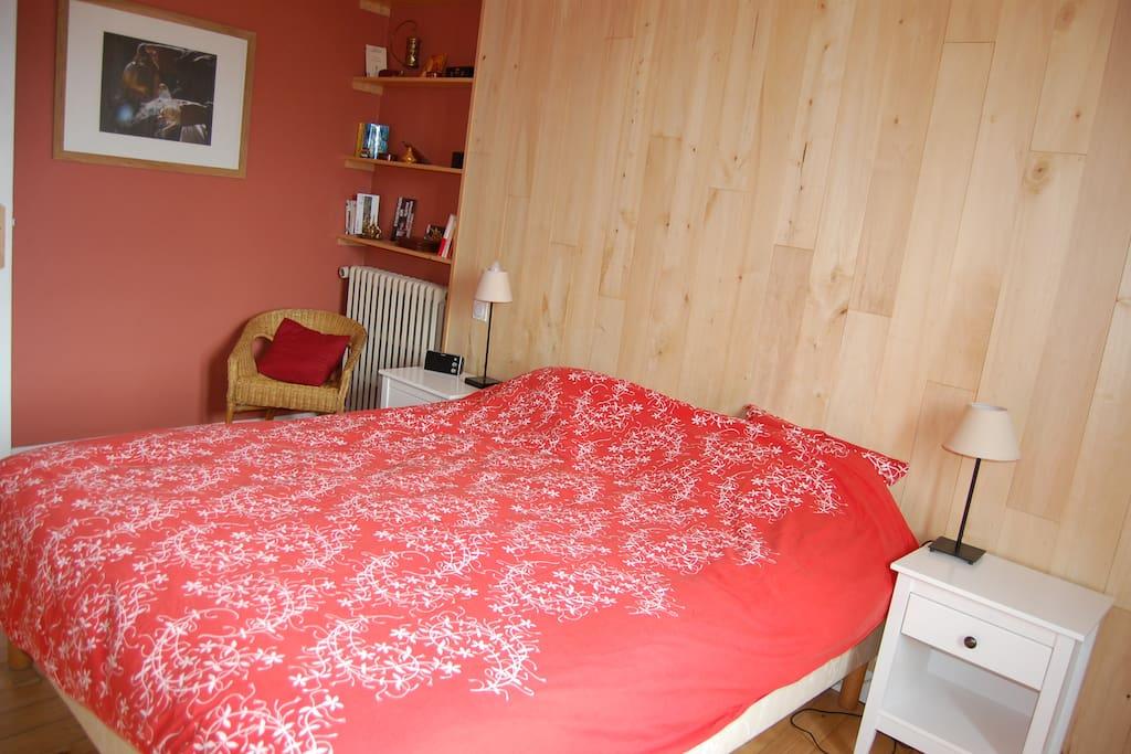 Chambre 1 adultes - lit double 160x200