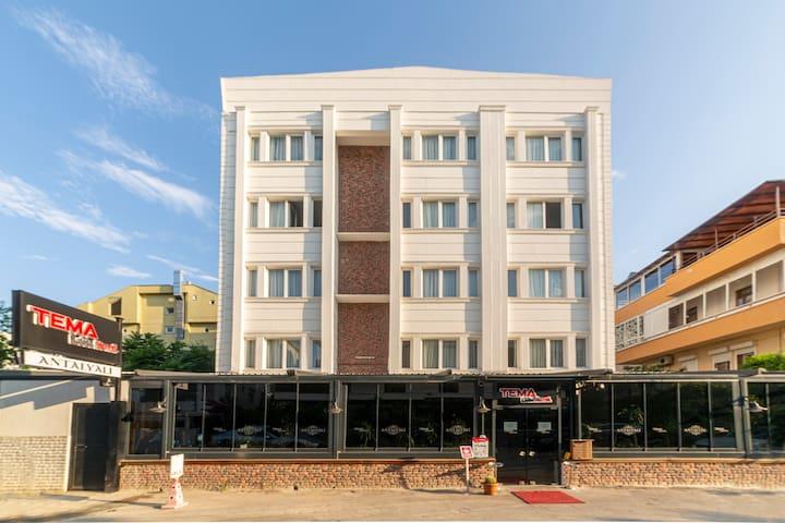 Antalya Lara'da 2 Kişilik Lüx Hotel