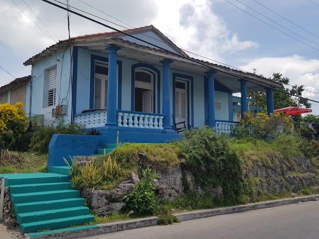 Gladys & Luis' s House