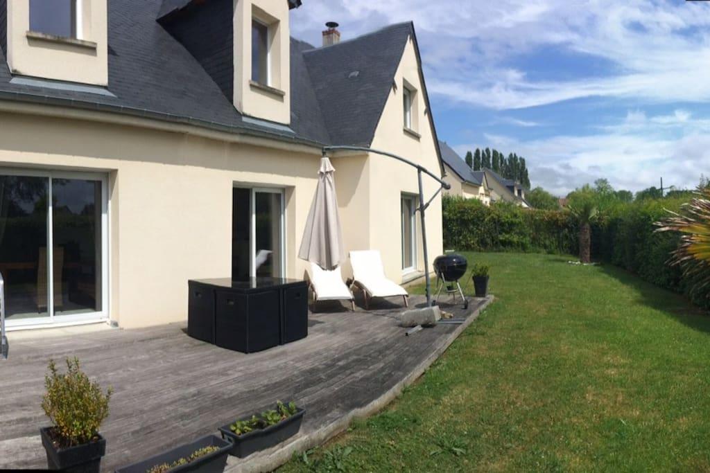 Maison contemporaine de 170 m2 maisons louer for Agrandissement maison 170 m2