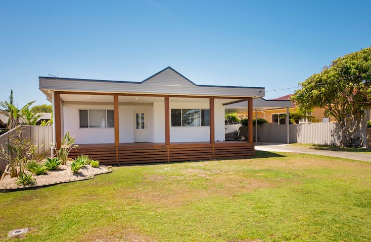 Riverview Retreat - Manning Point - Huis