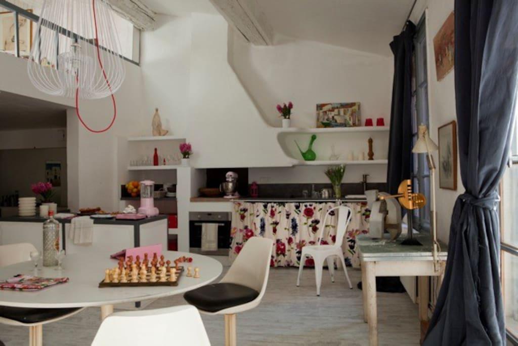 maison loft atelier d 39 artiste lofts louer perpignan occitanie france. Black Bedroom Furniture Sets. Home Design Ideas