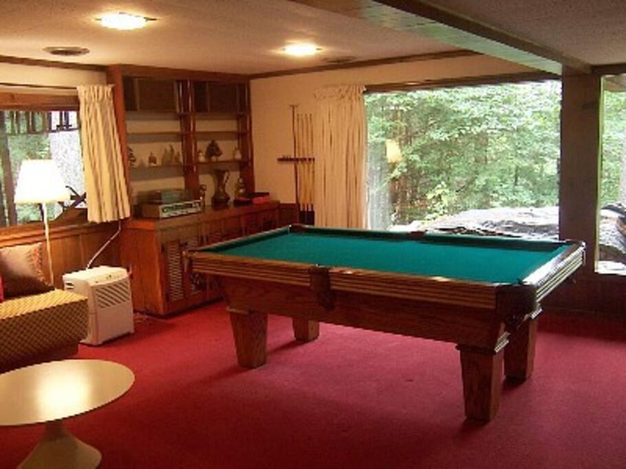 Billiard room - North Conway chalet rental