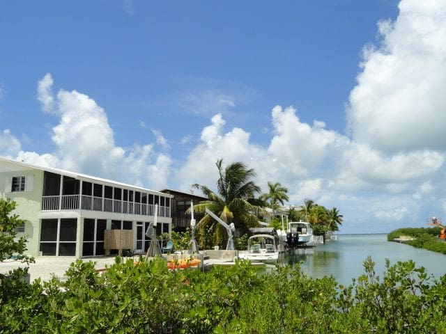 Key Lime Breezes and Waterfront Fun!