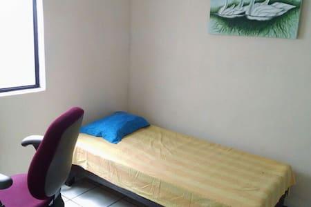 Hostal cuartos todo incluido, ambiente profesional - Ocotlán - Vila