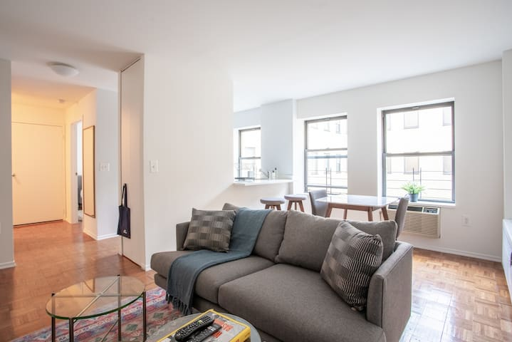 Charming Furnished 1BR in Midtown + Gym