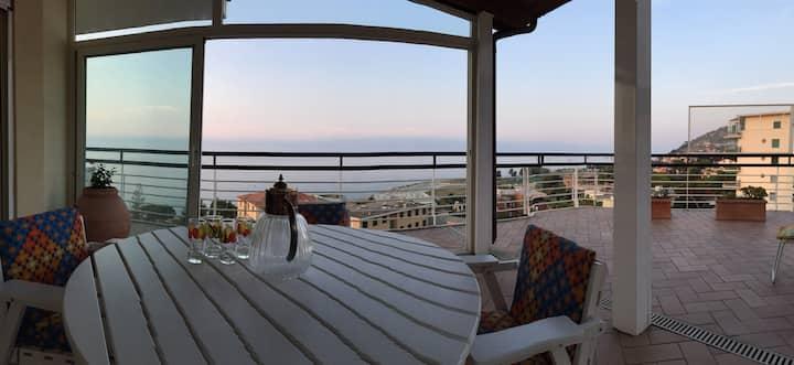 Penthouse whit wonderful sea views