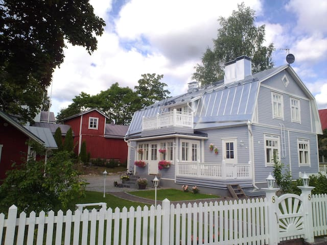 A 100 YRS OLD VILLA FOX WITH GARDEN - Lahti - Wikt i opierunek