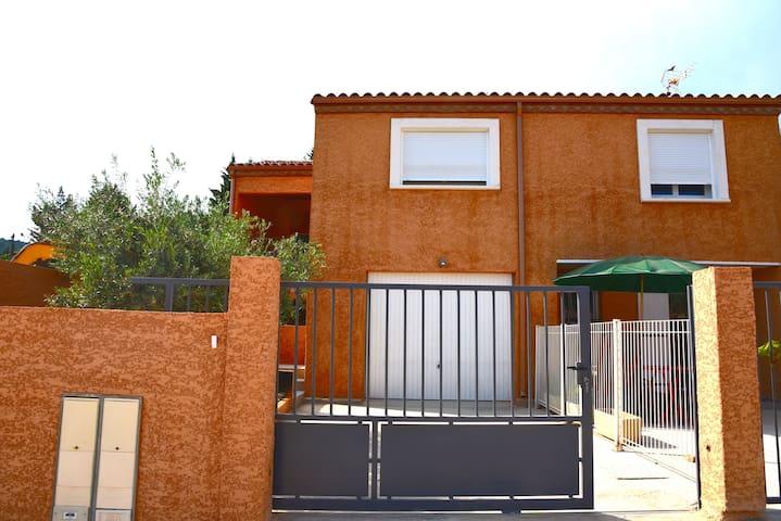 Villa avec garage - Bize-Minervois - Ev