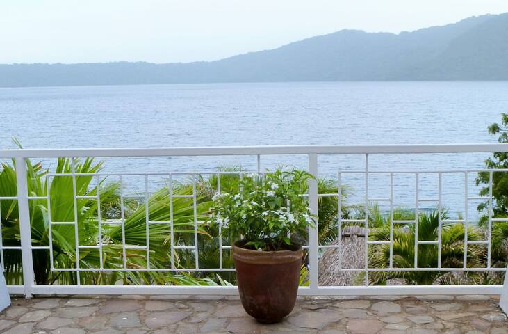ALCHEMY on the Lake - Laguna de Apoyo - Casa