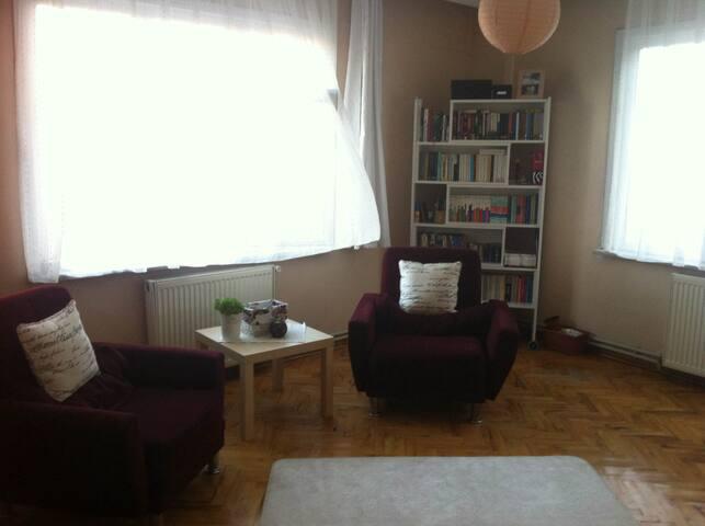 Private Room in Kadıköy - Kadıköy - Apartment