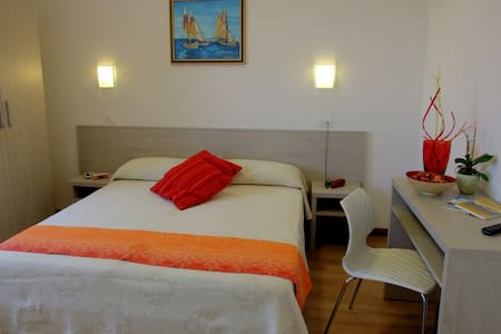 Camere a due passi dal mare - Cervia - Bed & Breakfast