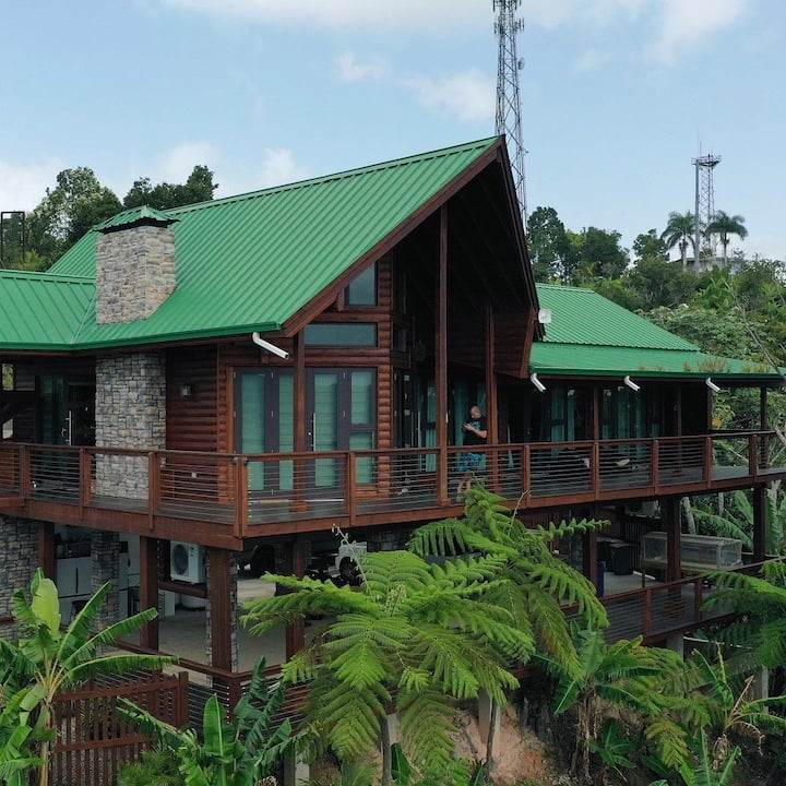 Quiet Luxury Log Cabin Adjuntas Mountains