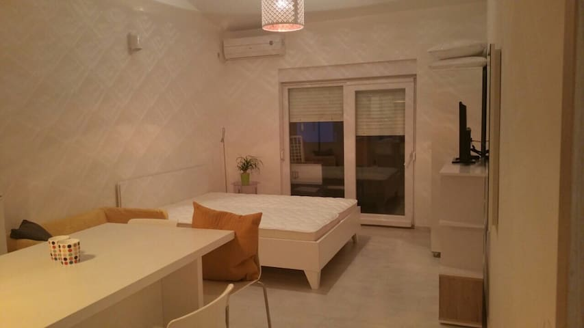 new studio sea side - Metajna - Apartamento