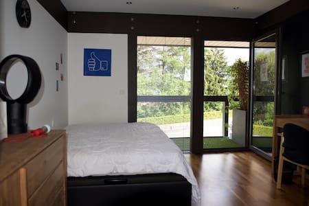 Belle chambre avec vue lac - Sévrier - Bed & Breakfast
