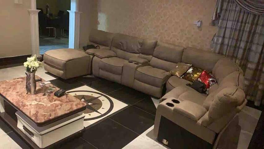 Cozy two-bedroom apartment in Dansoman (2nd floor)