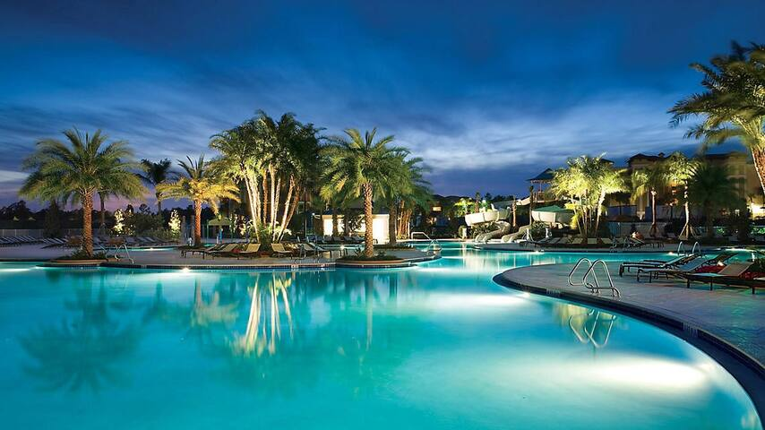 2BR Unit @ Resort by Orlando Parks Pool Gym BBQs