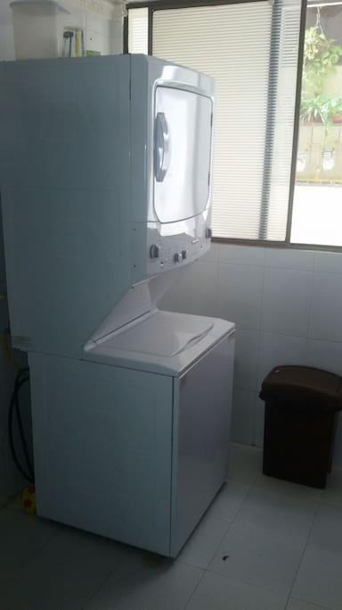 Torre lavadora-secadora