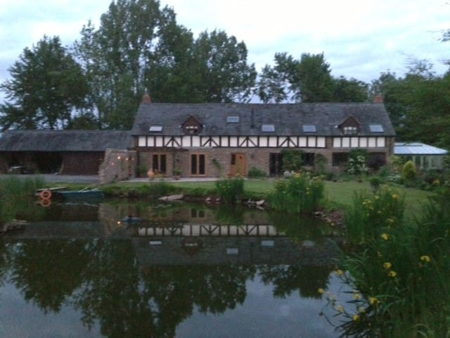 Herefordshire country retreat - Leominster