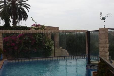 Villa de l'eau avec piscine - Ghazoua à 4km