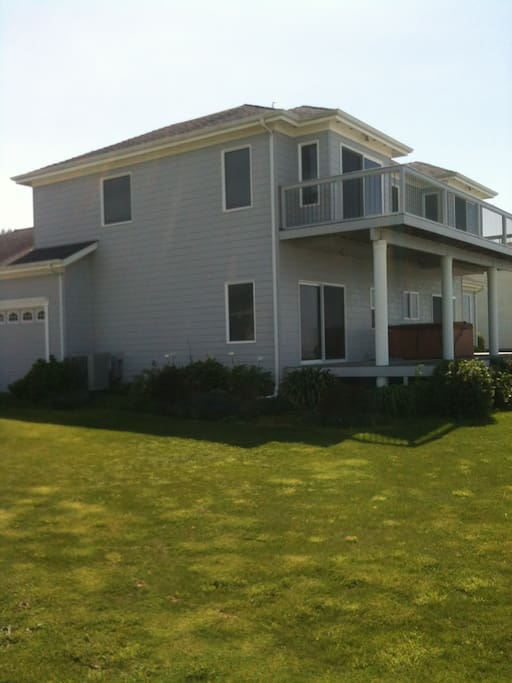Two large decks (upstairs and downstairs) for viewing the beach and ocean