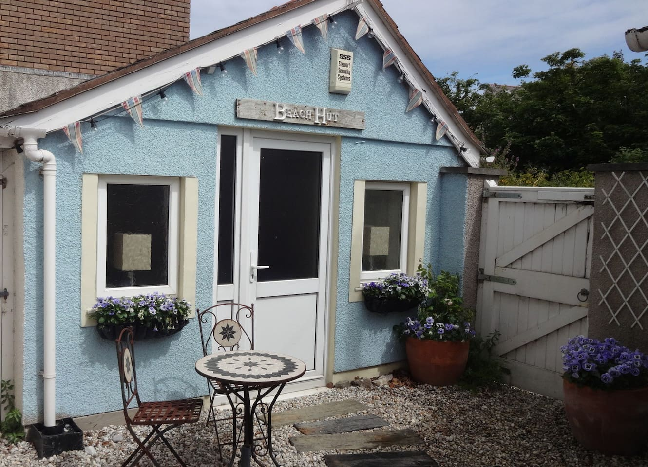 Beach Hut at The Buoys - Sleeps 2 guests