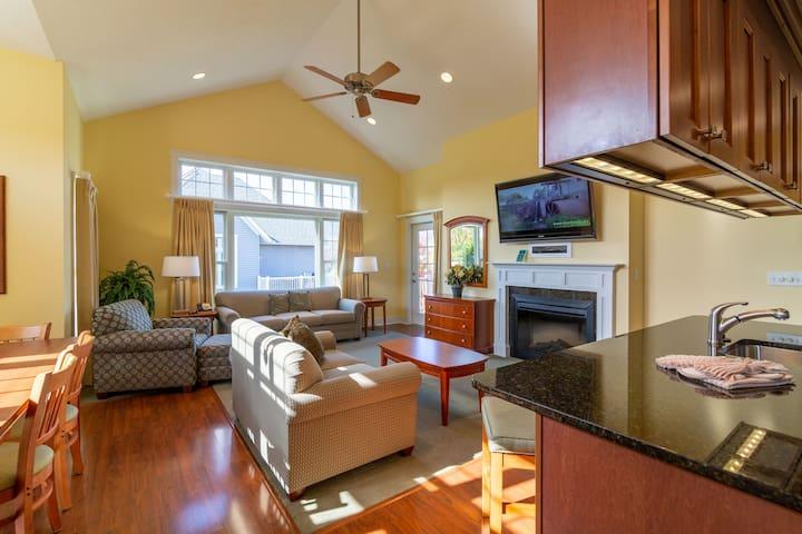 Luxury Two Bedroom Townhome at Regal Vistas with Resort Amenities