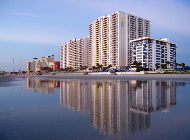 2BR/2BA - Ocean Walk Daytona Beach!!