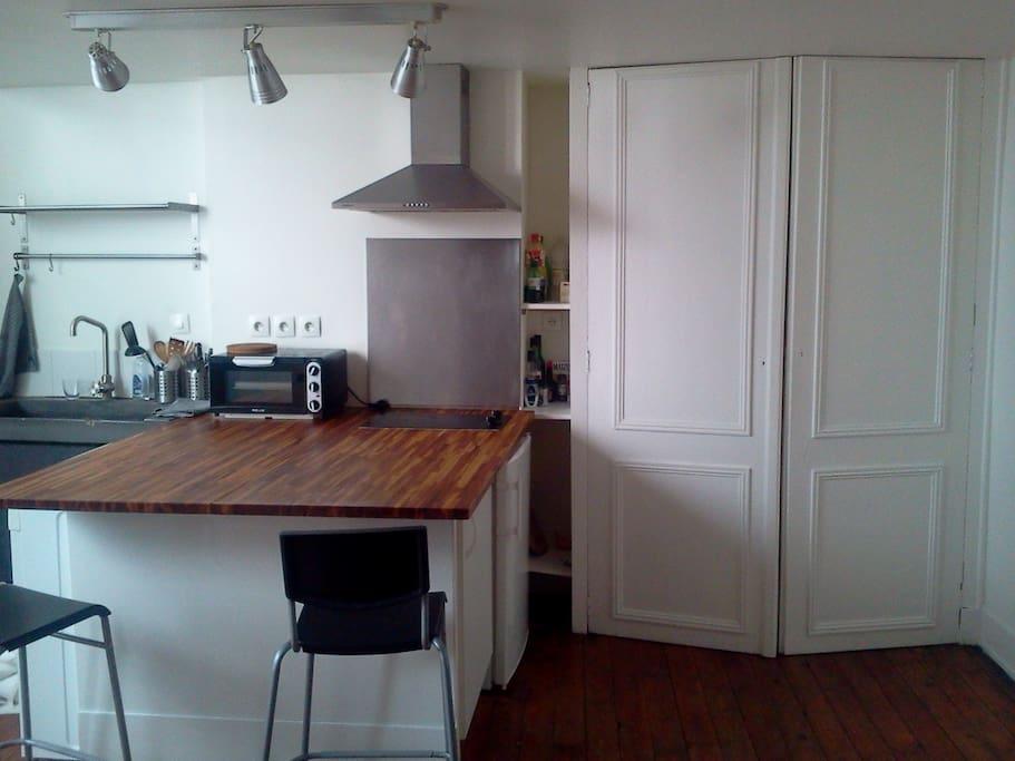 au coeur bordeaux joli appartement flats for rent in bordeaux aquitaine france. Black Bedroom Furniture Sets. Home Design Ideas