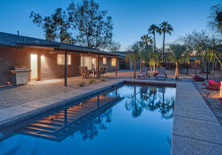 LUX Starfire GOLF COURSE VIEW; Heated Pool; Game Room w/Pool Table; TVs ALL BRs