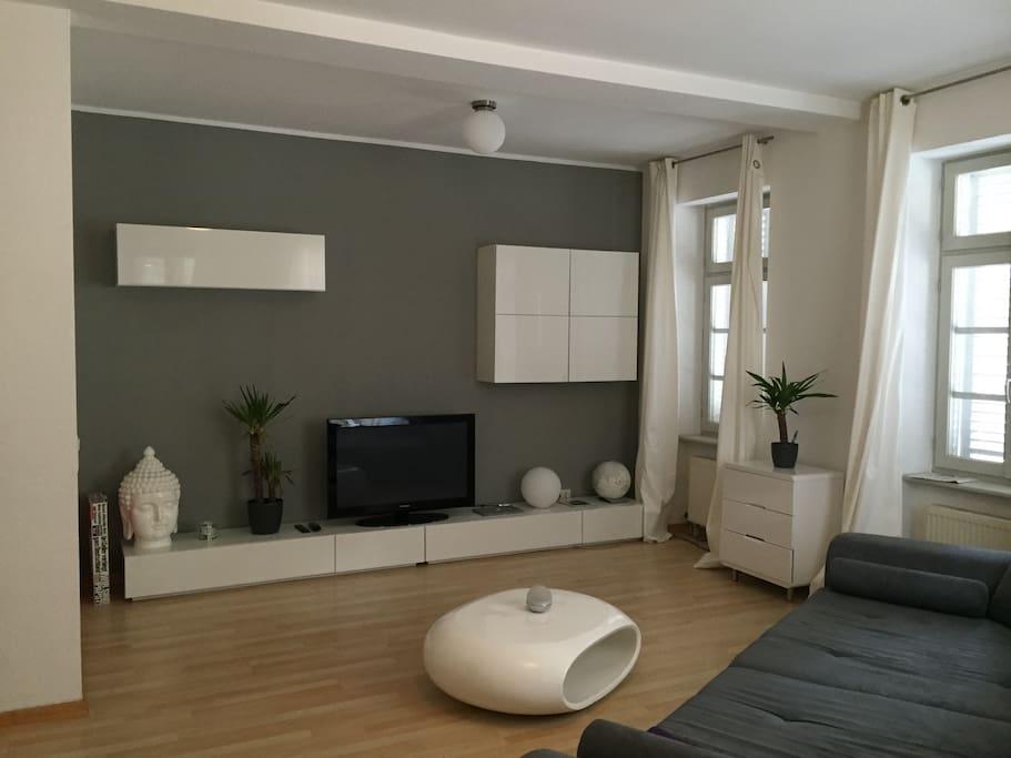 moderne 2 zimmer wohnung im zentrum wohnungen zur miete in heidelberg baden w rttemberg. Black Bedroom Furniture Sets. Home Design Ideas