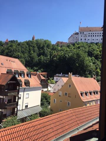 Schöne Wohnung Mitten in Altstadt+Blick auf Burg!!