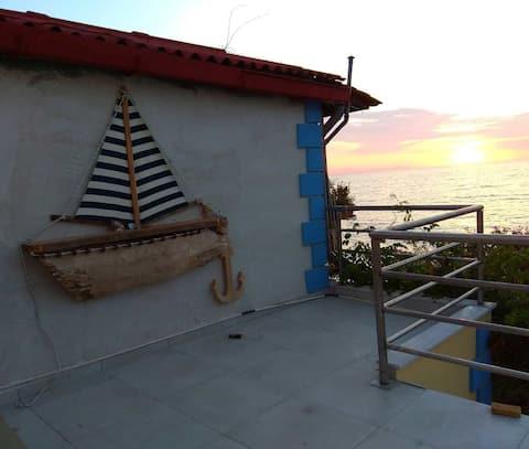 Villa in Ioulittas aan zee