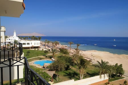 SEA VIEW APARTMENT IN MONTAZAH