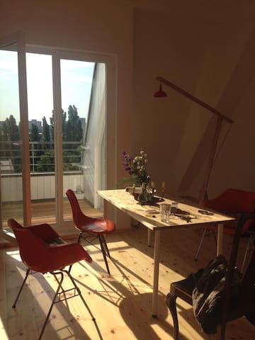 small shelterroom in shared flat - Berlín - Byt