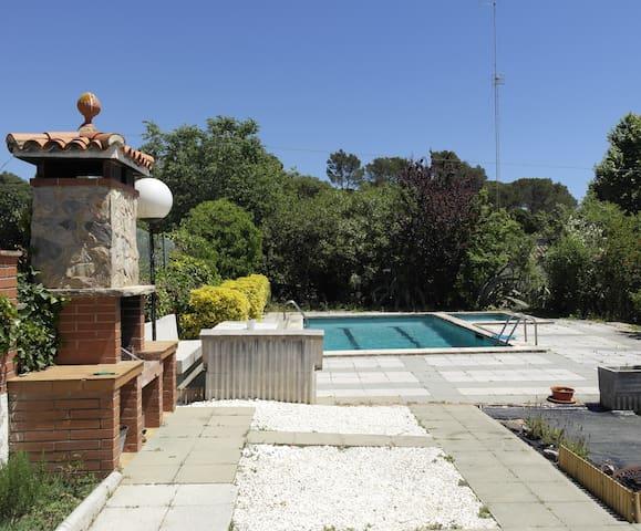 Casa con piscina privada, cerca de buenas playas - Tordera - Casa
