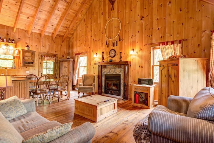 RUSTIC COTTAGE on the waterfront with SPA❤️5 BEDS