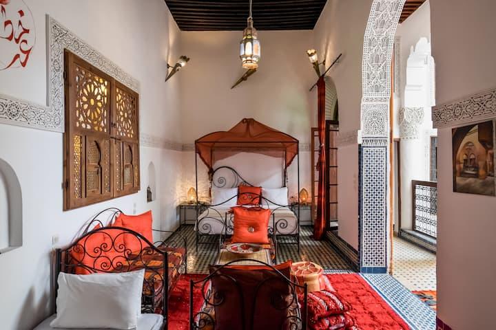 Riad Fes magnificent suite Paprika