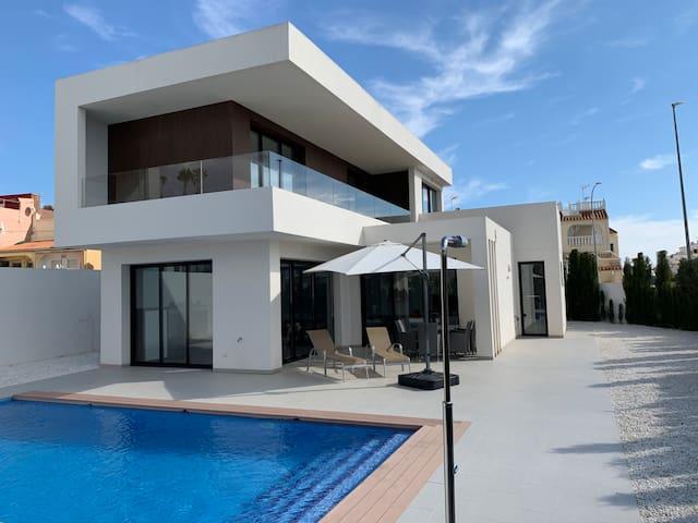 Luxury Villa La Marina with private pool