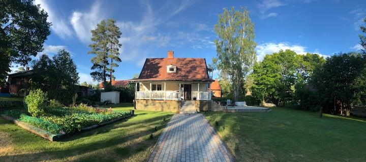 Fint hus nära badstrand i Dalarna