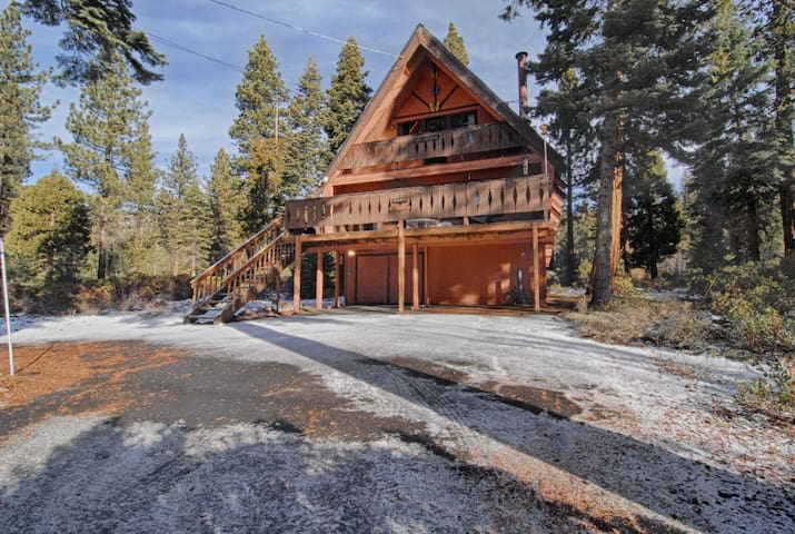 Classic Tahoe Bunkhouse Style Cabin #193