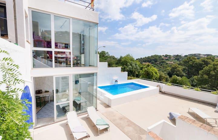Fantástica casa con piscina y parking en el pueblo
