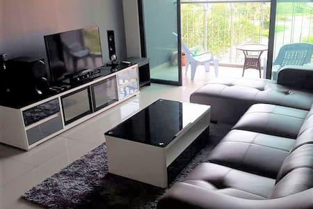 Family Suite near Legoland Malaysia - Nusajaya - Wohnung