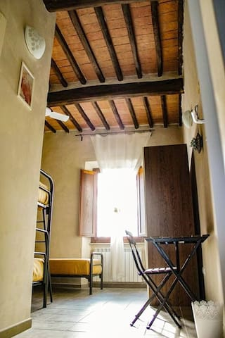 Il Casale Toscano Hostel (1Km from Leaning Tower)