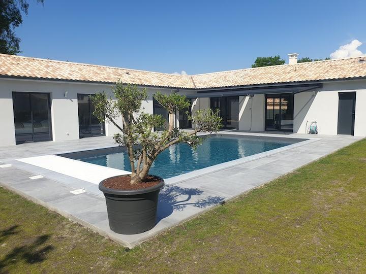 Villa  avec piscine à proximité du Lac d'Hourtin