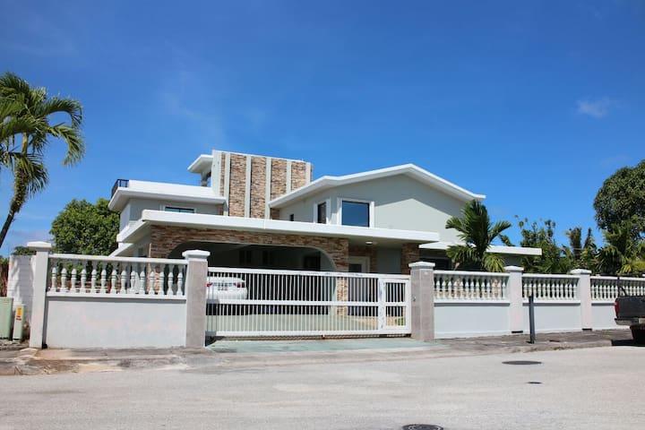 괌 최고 부유층동네 위치,  Sunset GuestHouse Room201 (1~3인가족)